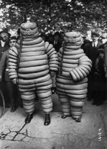 vintage-halloween-Bibendums-Montmartre-1922